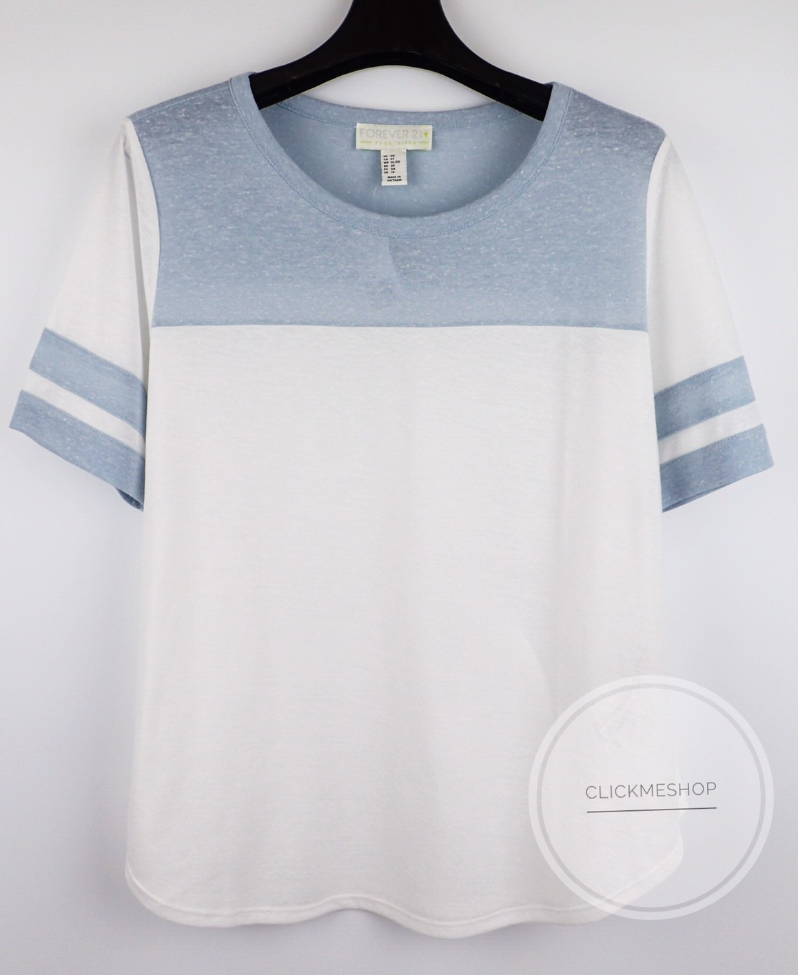 ( ไซส์ 2x หน้าอก 48-50 นิ้ว ) เสื้อยืด สีฟ้าตัด ยี่ห้อ Forever21 plus แขน 3 ส่วน น่ารักคะ