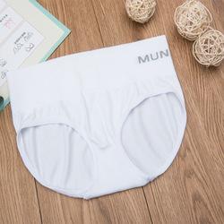 กางเกงในเก็บพุง Munafie สีขาว