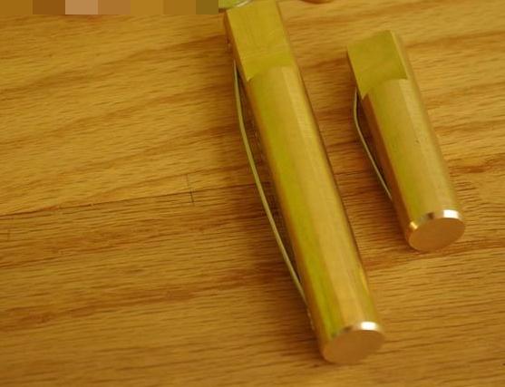Round Brass Bench Dogs / Bench Pups - หมุดทองเหลืองยึดไม้สำหรับโต๊ะงานไม้