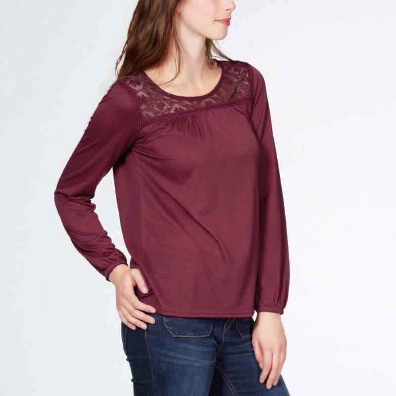 (ไซส์ L หน้าอก 42-44 ยาว 28 นิ้ว) เสื้อยืดช่วงคอเสื้อเย็บคอลูกไม้ สีเลือดหมูแขนยาว ยี่ห้อ kiabi ทรงหลวมๆใส่สบายๆ ผ้านิ่มๆใส่สบายๆคะ