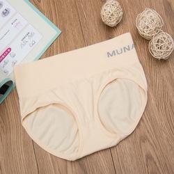 กางเกงในเก็บพุง Munafie สีครีม