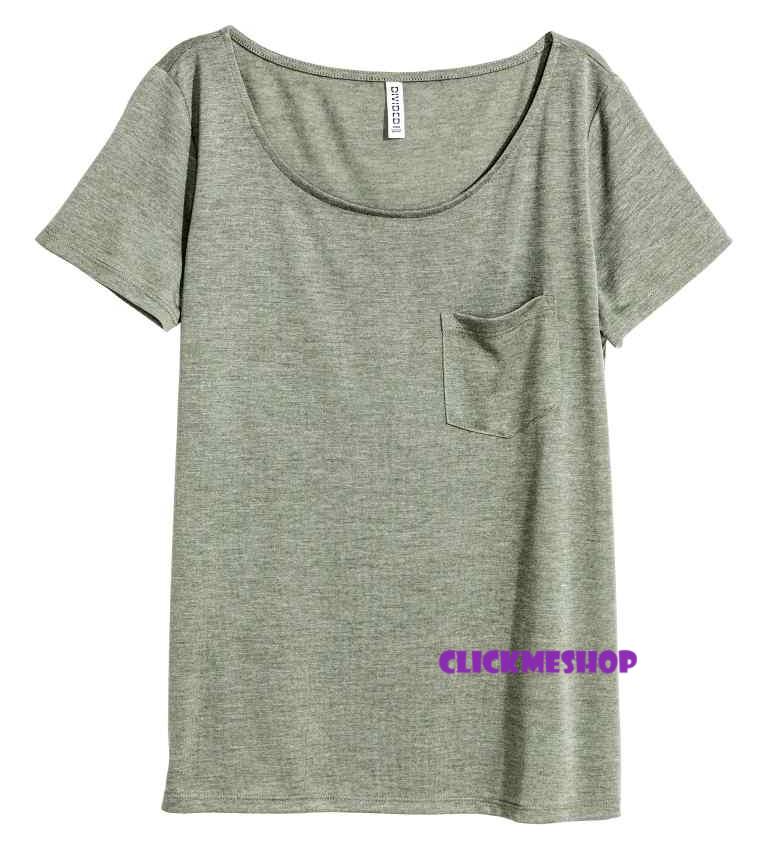 (ไซส์ L หน้าอก 42-44 ยาว 28 นิ้ว)เสื้อยืดคอยู สีเขียว ยี่ห้อ. H&M มีกระเป๋าที่อกเสื้อ เนื้อผ้านิ่มน่ารักคะใส่สบายๆคะ สำเนา