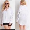 ( ไซส์ 1X หน้าอก 44-46 นิ้ว ) เสื้อเชิ็ตสีขาว ยี่ห้อ Forever21 สกรีนลายที่ปกและแขนมีเป๋าอกน่ารักมากๆ