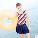 [พร้อมส่ง]BKN-092 ชุดว่ายน้ำเซ็ต 3 ชิ้น สายเสื้อกล้ามสีส้มสลับกรมท่าขาว กระโปรงจับจีบสวยๆ
