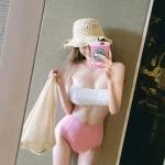 [พร้อมส่ง]BKN-334 ชุดว่ายน้ำเอวสูง บราเกาะอกแต่งช่อลูกไม้สวยๆ กางเกงสีชมพู